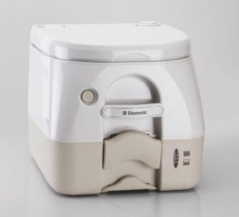 Toaleta przenośna Dometic (Waeco) 972 białobeżowa 8,7 l 27 spłukań