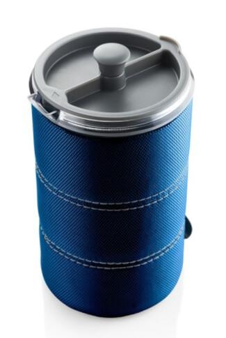 Turystyczny kubek z filtrem do zaparzania kawy 30 FL. OZ. JAVAPRESS GSI outdoors niebieski