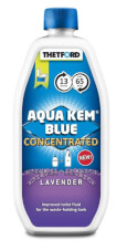 Lawendowy płyn do zbiornika na fekalia 0,78 l Aqua Kem Blue Lavender Thetford koncentrat