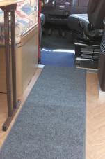 Antypoślizgowy dywanik do kampera 80 x 45 cm Runner Brunner