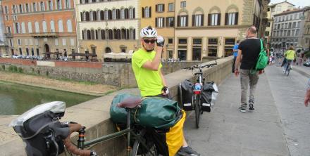 Jakie sakwy rowerowe wybrać Ortlieb czy Crosso?